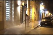 Sanificazione strade e marciapiedi, raddoppiati i turni.
